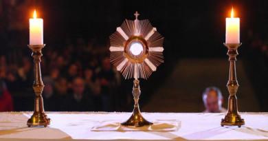 Adoracja Najświętszego Sakramentu w naszej parafii